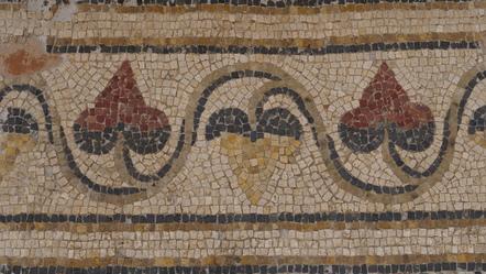 Frise en rinceau de lierre, mosaique du triclinium d'été - Villa de Séviac © Laborde